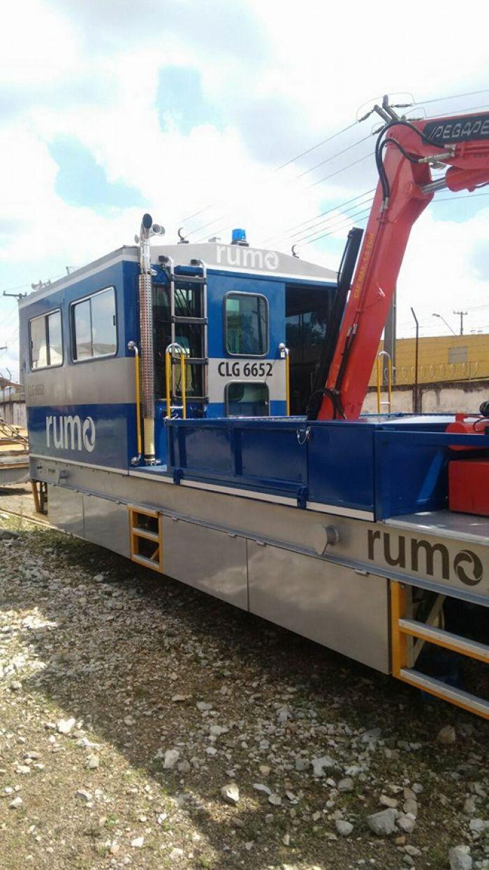 Caminhão de Linha - Construção e Projeto Próprio