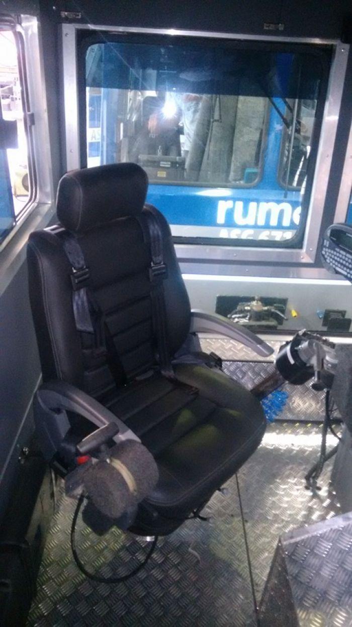 Caminhão de Linha - Cabine e Interior