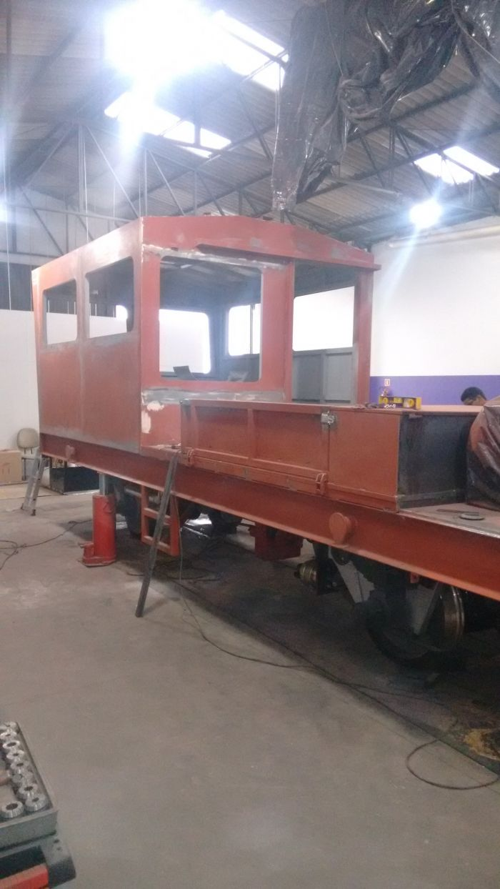 Construção de Caminhão de Linha